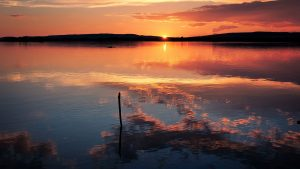 Lake Reflection Sunset Horizon  - fietzfotos / Pixabay