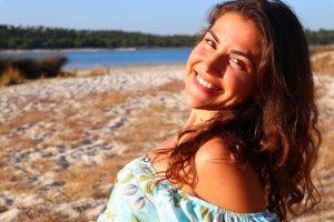 Woman Happy Smile Joy Model Girl  - fotografias-com-alma / Pixabay