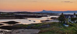 Cottage Coast River Dusk Highlands - patkeista / Pixabay