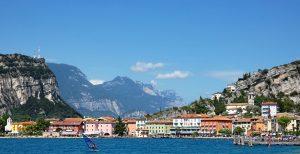 Italy Commune Mountains Lake  - kwnbwindsurf / Pixabay