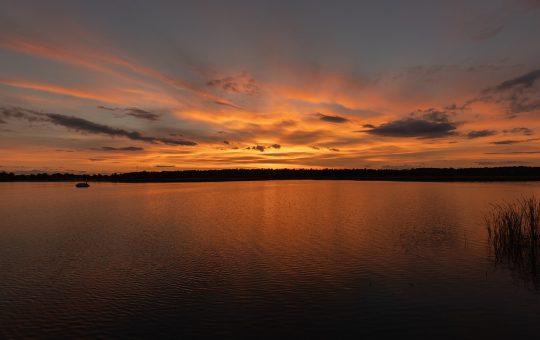 Lake Sunset Sky Landscape Nature  - Zibitravelman / Pixabay