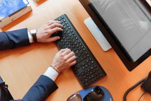 Workplace Technology Computer Work  - klicky_ke_zdravi / Pixabay