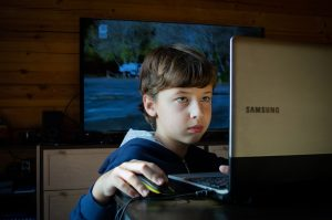 Boy The Internet Online Games Baby  - Victoria_Borodinova / Pixabay